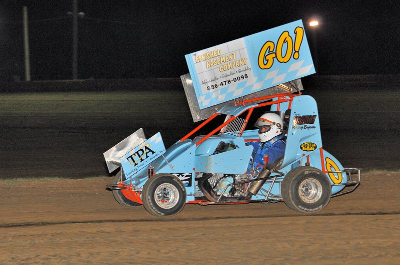 Richie Keller returned to victory lane with a win in the 600cc division.